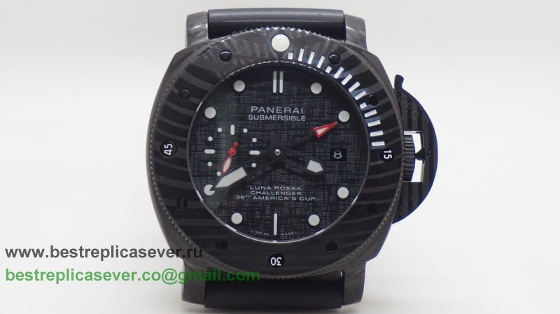 Panerai Luminor Submersible Luna Rossa Challenger 36th America's Cup Automatic PIG101